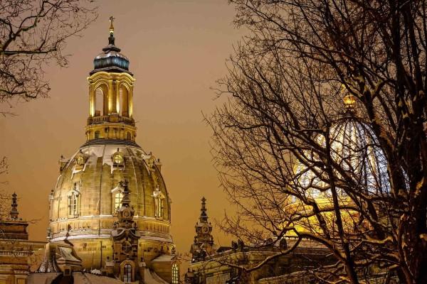 Wandbild Dresden - Schnee auf der Frauenkirche (Motiv DMDD17)