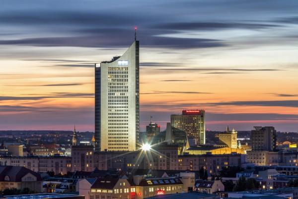 Wandbild Leipzig - Uniriese - Über den Dächern von Leipzig (Motiv DJ07)