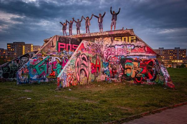 Wandbild Dresden Johannstadt - Mauer mit Grafitty (Motiv JR08)